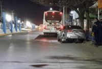 Un motociclista sufrió un accidente en pleno centro y tuvo que ser atendido en el hospital