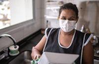 Oficializan el aumento para empleadas domésticas y subsidios de hasta $15.000