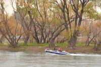 Hoy rastrillan el río Negro desde Regina, aguas abajo