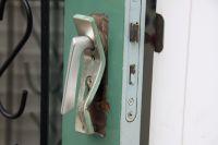 Delincuentes violentaron una puerta y robaron en la casa de una jubilada